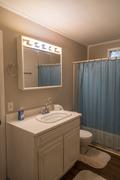 dock-house-bathroom-1