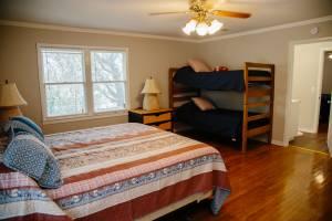dock-house-bedroom